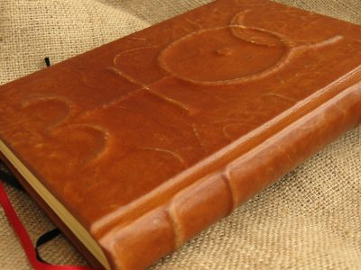 OLDM ruční vazby, magické knihy